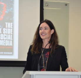 Angeline Close, professor at the University of Texas at Austin, explains how the use of social media has several unintended consequences (photo Angela Whiteley).